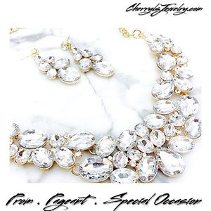 Jewelry - Crystal Statement Necklace & Earring Set Prom etc
